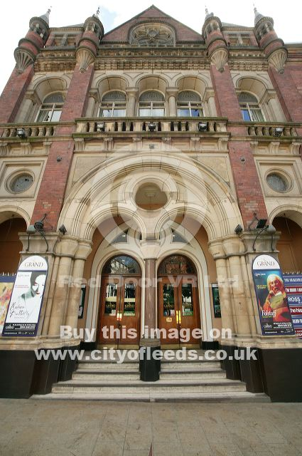 Leeds Grand Theatre 425 x 640 · 67 kB · jpeg